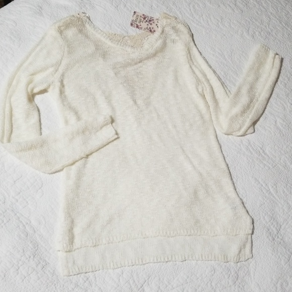 Pink Republic Sweaters - NWT Pink Republic Cream  Lace Back Tunic Sweater M